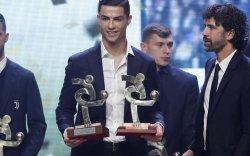 Роналдо Италийн оны шилдэг тоглогч боллоо