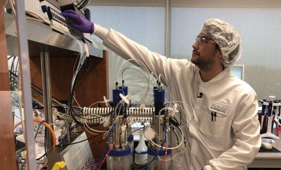 Эрдэмтэд вакцин бүтээхээр цаг хугацаатай уралдаж байна