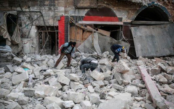 Сирийн баруун хойд хэсгийг бөмбөгджээ
