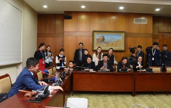 Улсын Их Хурлын гишүүний халдашгүй байдлын дэд хороо хаалттай хуралдав