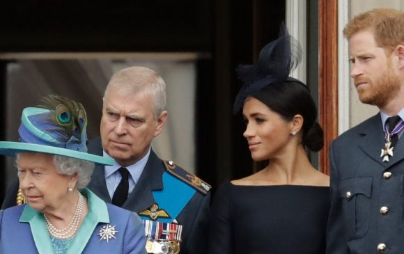 Меган Маркл Их Британийн хааны гэр бүлд зөрчил үүсгэжээ
