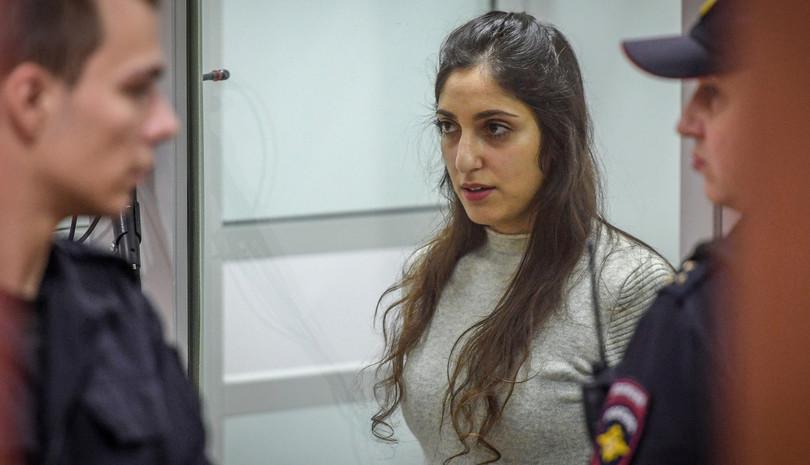 Хар тамхины хэрэгт холбогдсон Израил эмэгтэйг Путин өршөөв