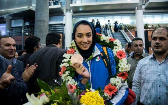 Ираны цор ганц Олимпийн медальтан эх орноосоо урважээ