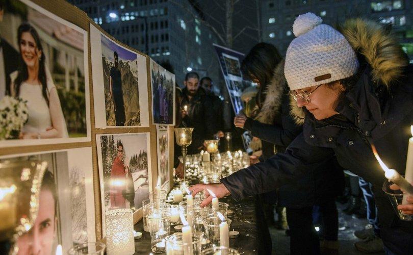 Иранд осолдсон Канад гэр бүлд 25000 ам.доллар олгоно