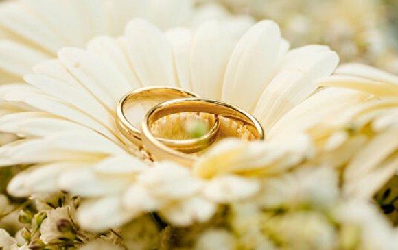 Хоёрдугаар сарын 2, 20, 22-ны өдөр гэрлэх захиалгад дарагджээ