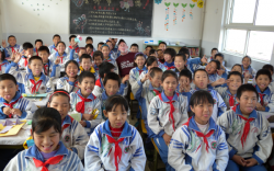 Хятадууд гадаад сурах бичгээс татгалзаж байна