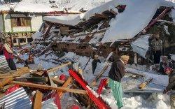Пакистаны цасан нуранги 77 хүний аминд хүрлээ