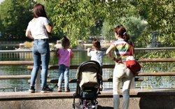 ОХУ: Ээжүүдийг илүү халамжилна
