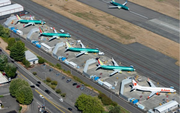 """""""Боинг 737 макс"""" онгоцтой холбоотой баримтаа дэлгэлээ"""