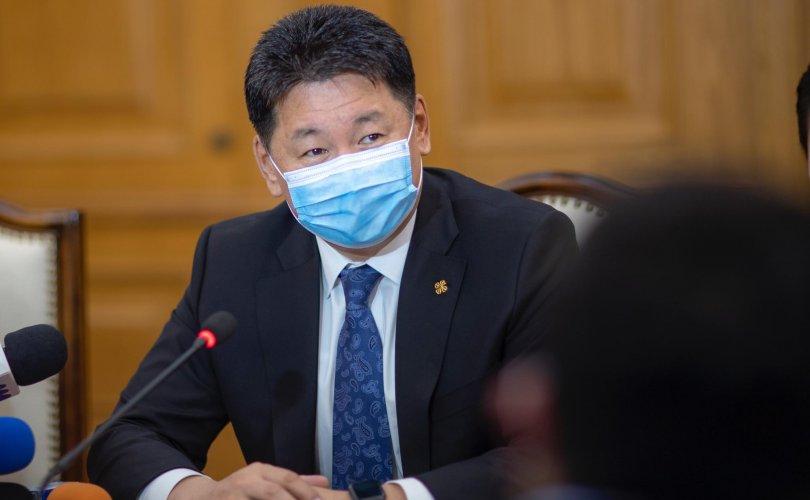 Токио 2020: Тамирчид Ерөнхийлөгчөөс төрийн далбааг гардан авлаа