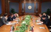 """Элчин сайд Д.Даваа, Ерөнхий сайдын зөвлөх Б.Мөнхжин нар """"Газпром"""" НХН-ийн Удирдах зөвлөлийн дарга А.Б.Миллер-тэй уулзав"""