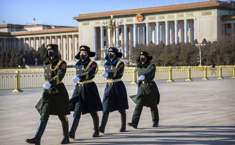 Бүх Хятадын Ардын төлөөлөгчдийн хурлаа цуцлах уу?