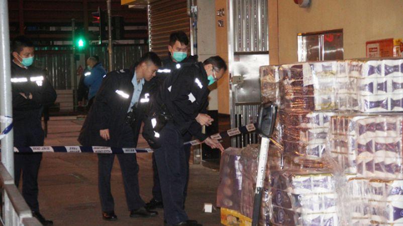 Хонгконг: Зэвсэгт этгээдүүд их хэмжээний ариун цэврийн цаас дээрэмджээ