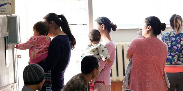 Бага насны хүүхэдтэй эцэг,эхчүүдийн ажлын цагийг 1 цагаар хорогдуулах захирамж гарчээ
