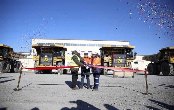 100 тонны даацтай Cat777E өөрөө буулгагч Хүрэн Шандын нүүрсний уурхайд хүч нэмж эхэллээ