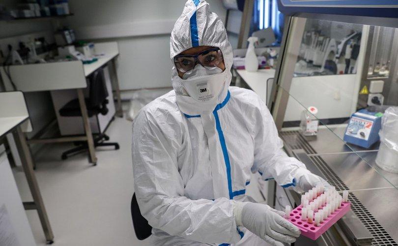 Коронавирусийн эсрэг вакциныг хүн дээр туршиж эхэллээ