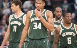 NBA: Милвауки Бакс плэй-оффын эрхээ хамгийн богино хугацаанд авлаа