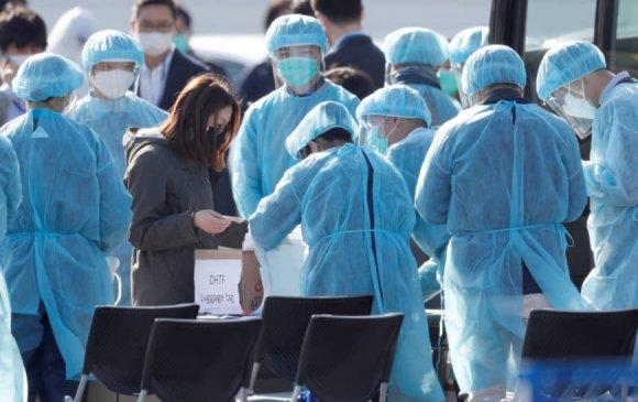 Японы Эрүүл мэндийн сайд уучлал гуйв