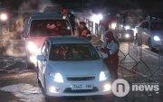 НОК: Хот руу орох хүсэлтэй 300 хүн алба хаагчдад хүндрэл учруулсан