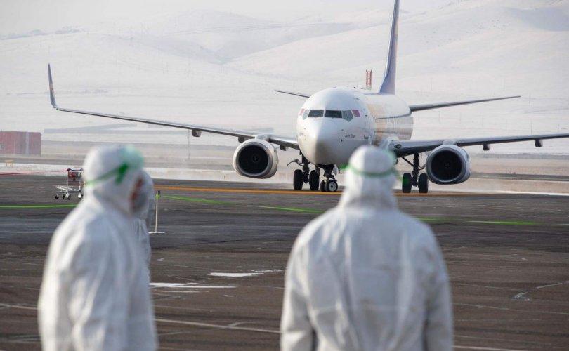 Катараас монгол цэргүүдийг тээвэрлэж ирсэн онгоц буцжээ