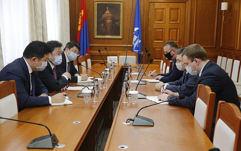 Монголбанкны Ерөнхийлөгч ОХУ-аас Монгол улсад суугаа онц бөгөөд бүрэн эрхт элчин сайдыг хүлээн авч уулзлaа