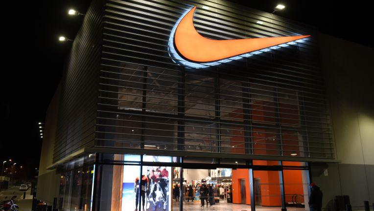 Covid-19: Nike компани дэлгүүрүүдээ хааж байна