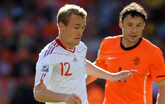 Covid-19: Данийн хөлбөмбөгч бусдадаа халдвар тараасан уу?