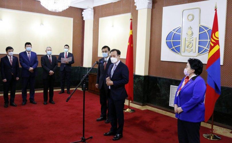 БНХАУ-ын ЭСЯ болон хятад иргэдээс монголын талд хандив гардуулав