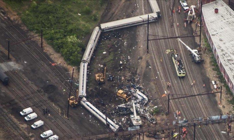 Хятадын Хунань мужид зорчигч тээврийн галт тэрэг онхолджээ