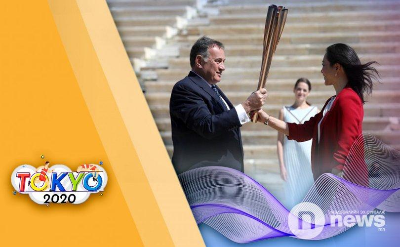 Токио-2020 олимпийн галт бамбарыг Япон улсад хүлээлгэн өглөө