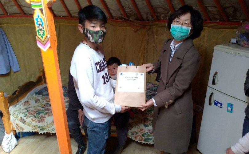 """Тайвань, Чех, Монголын ТББ-ууд хамтран """"Гэр"""" хотхонд тусламжийн гараа сунгав"""