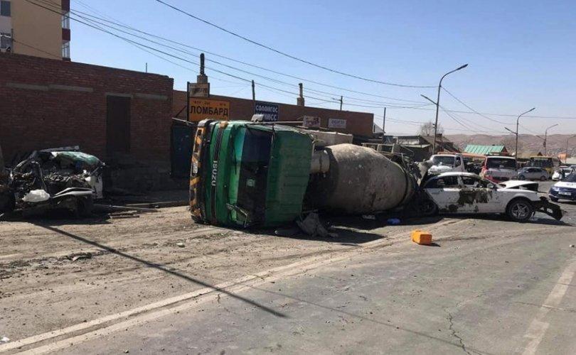 ТЦА: Найман машин мөргөлдөж, 11 хүн гэмтжээ