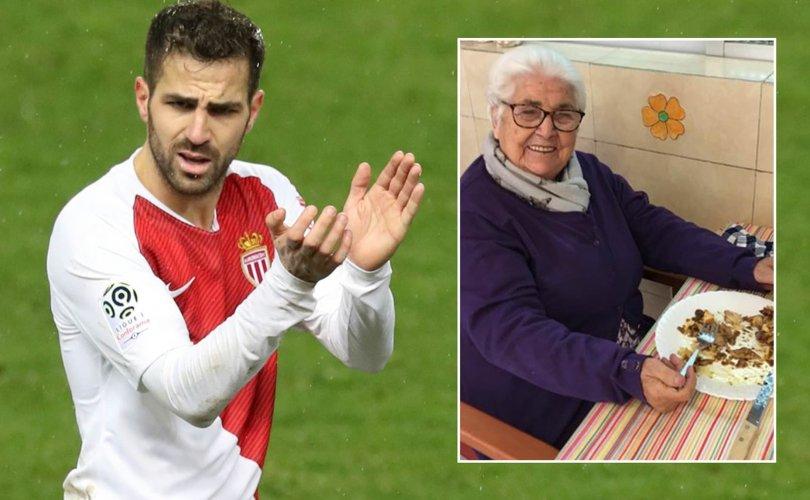Covid-19: Сеск Фабрегасын 95 настай эмээ эдгэрчээ