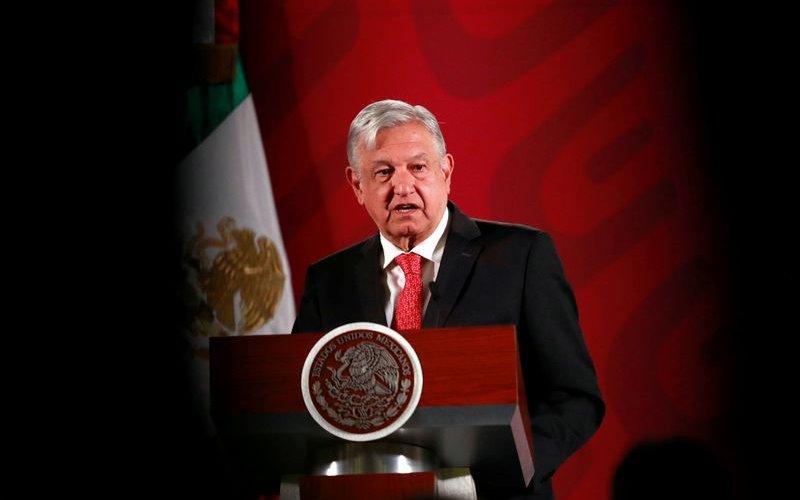 Мексикийн Ерөнхийлөгч мафиудыг хоол тараахын оронд гэмт хэрэг бууруулахыг хүслээ