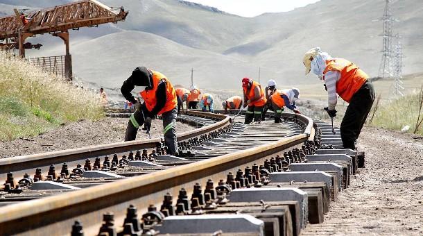 УБТЗ-ын замын элэгдэл хүнд жинтэй галт тэрэг өнгөрүүлэх боломж хомс байна