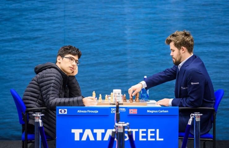 16 настай иран хүү дэлхийн аварга Магнус Карлсенг хожив