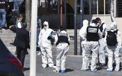 Мусульман эрэгтэй Францад хоёр хүнийг хутгалж хөнөөжээ