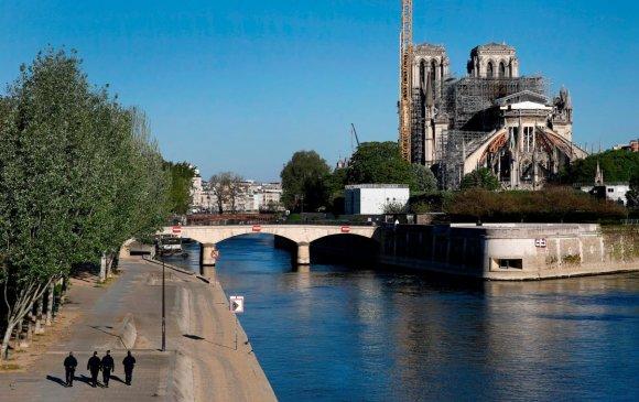 Парисын дарь эхийн сүмийн засварын ажил хойшлогджээ