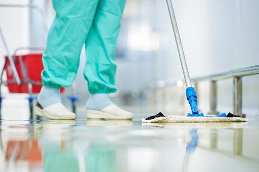 Эмнэлгийн цэвэрлэгч нар бол нэр нь тодроогүй баатрууд