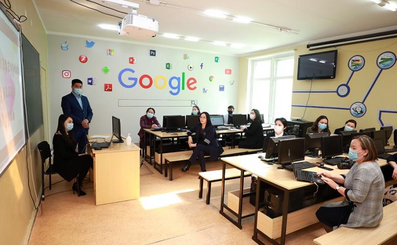 Зарим сургуулиуд цахим сургалтыг зохион байгуулж байна