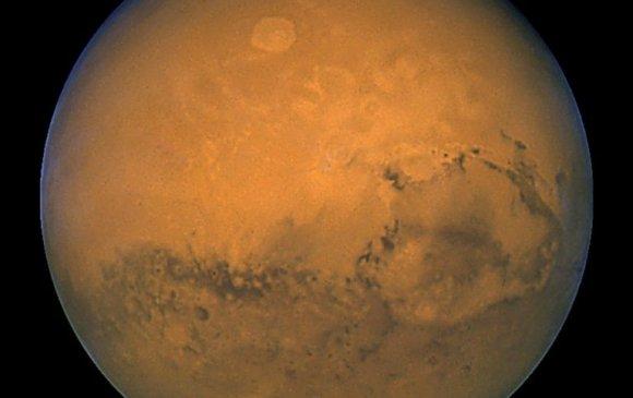 БНХАУ долдугаар сард Ангараг дээр буухаар төлөвлөж байна