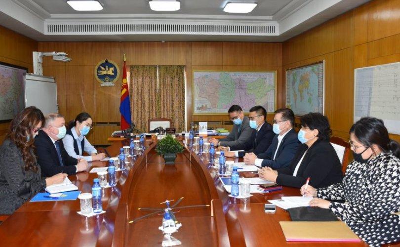 Монгол-Казак иргэдээ харилцан эх орондоо татан авчрах талаар санал солилцов