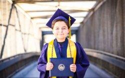 13 настай хүү хоёр жилийн дотор дөрвөн коллеж төгсчээ