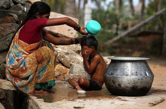 Энэтхэгт 50 хэм хүрч халжээ