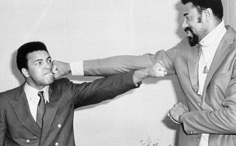 Мохаммед Али vs Уилт Чемберлэн: Хэзээ ч бүтээгүй тулаан