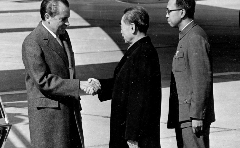 Мао Зедуны орчуулагч нас баржээ