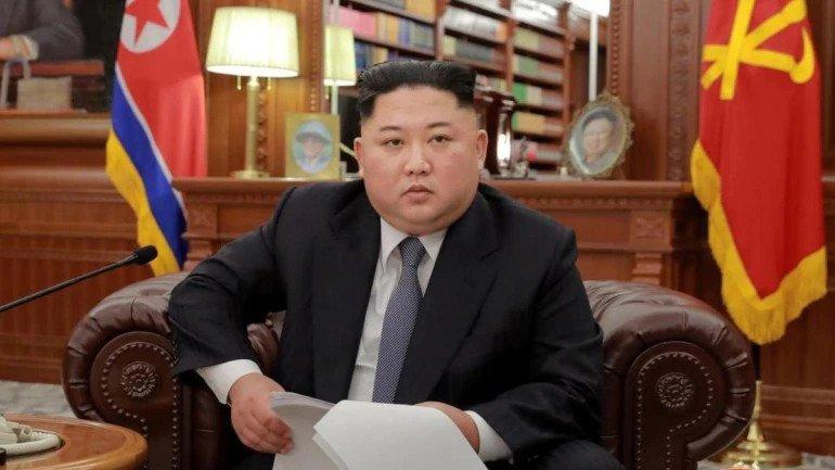 Ким Жон Ун Ялалтын баярын мэнд дэвшүүлэв