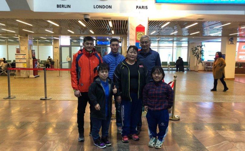 Монголын паралимпийн тамирчид Японд бэлтгэлээ хийсээр байна