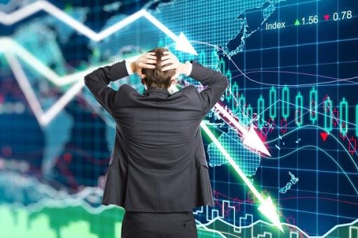 """""""Эдийн засаг агшсан нь гүнзгий хямралын дохио"""""""