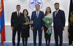 Капитрон банк Монгол Улсын ТОП-100 ААН-ээр шалгарлаа